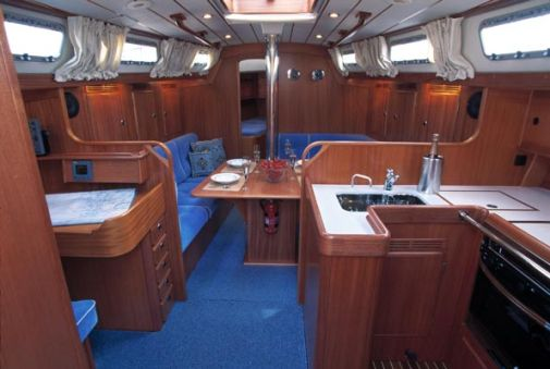 http://www.scancharter.com/wp-content/uploads/boats/9860_HR40-saloon_ver1[1].jpg